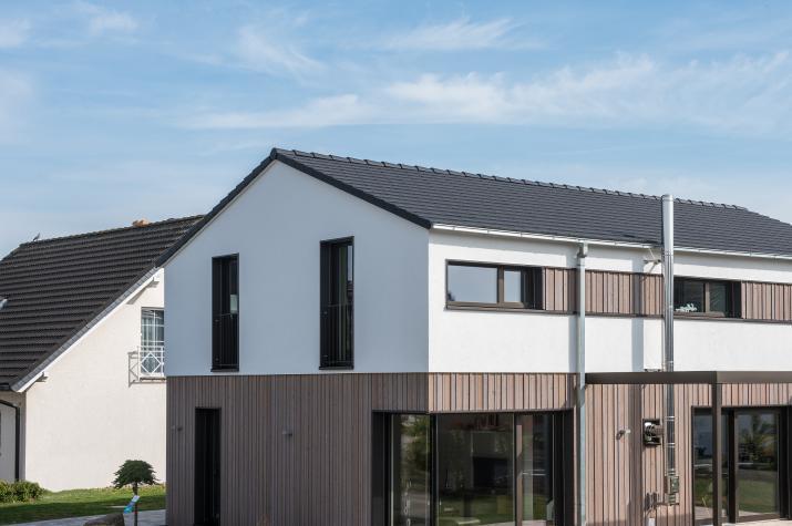 D 183 - Aussenbereich mit Terrasse