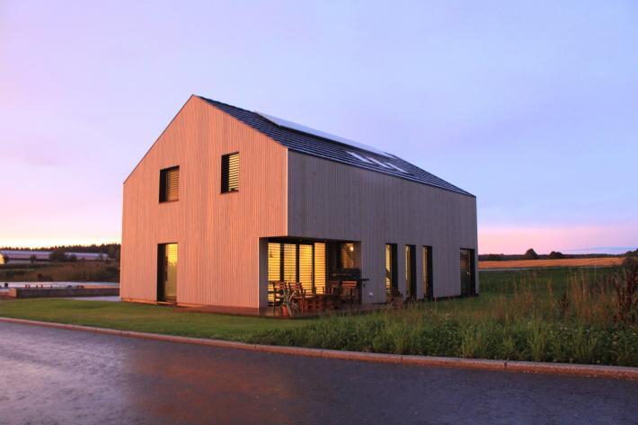 DESIGNHAUS - Tatra House LTD