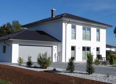 bis 350.000 € Medio - Die Stadtvilla für kleine Grundstücke