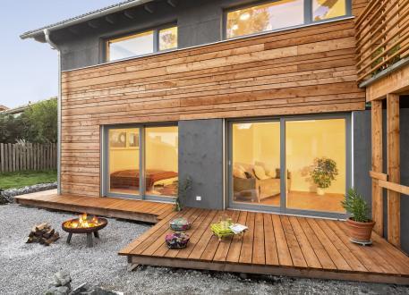 über 400.000 € Waakirchen - Architektenhaus: Bodenständig und modern