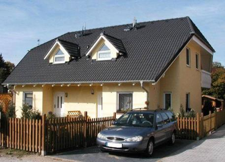 Doppelhaus ...individuell geplant ! - Hübsches Doppelhaus mit Winkeln, Gauben und Balkon - www.jk-traumhaus.de